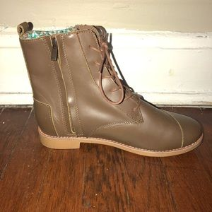 63166cb27a5 Toms Shoes - Brand new brown toms lace-up combat boots